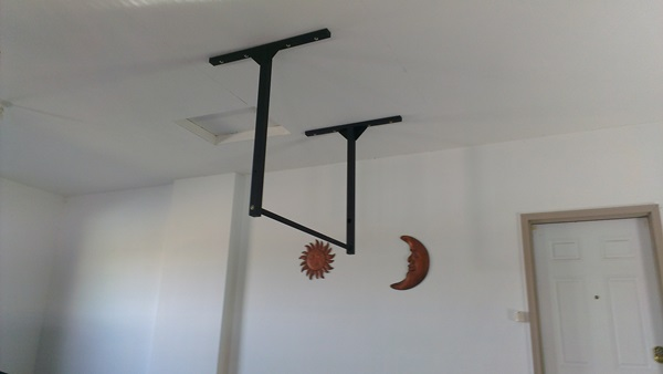 High tall ceiling pull up bar stud or wall