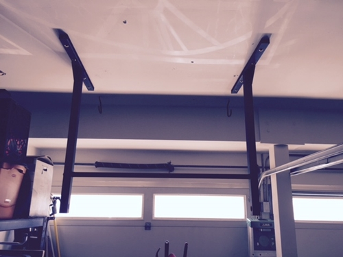Pull Up Bar Workouts Exercises And Tips From Stud Bar