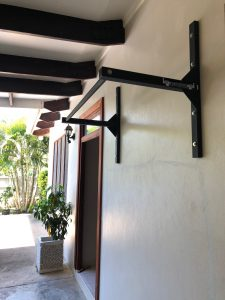 Outdoor Concrete Wall Mounted Pull Up Bar Stud Bar
