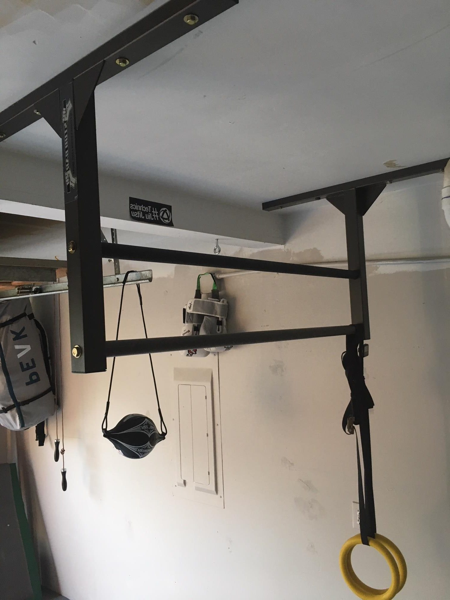 Genial Double Bar Pull Up Bar